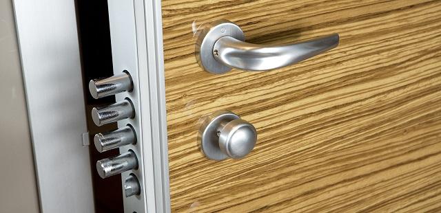puerta acorazada de seguridad