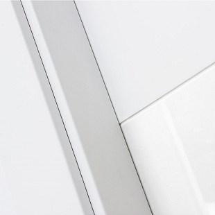 Detalle de puerta lacada